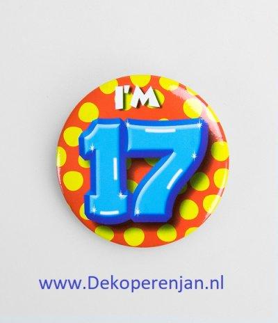 17 jaar button