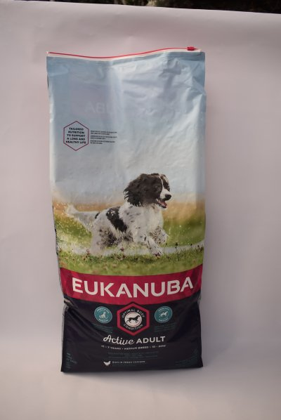 Eukanuba medium adult kip