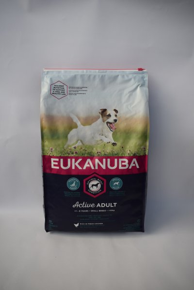 Eukanuba small adult kip