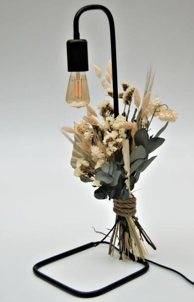 Tafellamp met droogbloemen eucalyptus