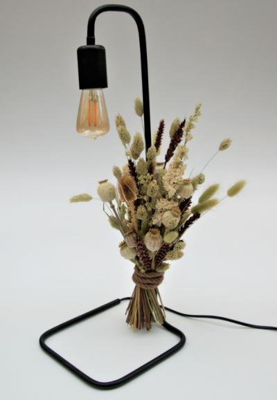 Tafellamp met droogbloemen papavers