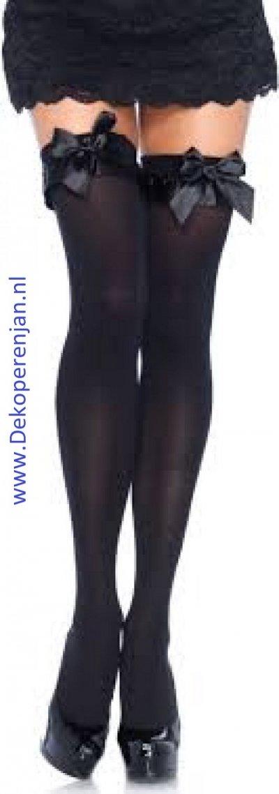 Zwarte kousen met zwarte strik